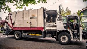 Peterbilt 310 Dempster Route King Garbage Truck - YouTube
