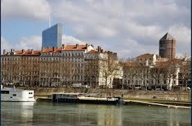 economie un cadre francilien sur deux serait prêt à baisser
