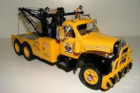 49-0013 - 60 Mack B61. \