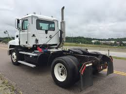 Mack CH-612 Single Axle Daycab, 2002