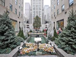 Rockefeller Plaza Christmas Tree Lighting 2017 by What It U0027s Like To Visit The Rockefeller Center Christmas Tree
