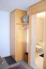 garderobe und eingang bad petersgrat 2 1