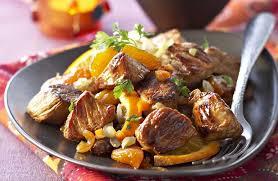 cuisiner du veau tajine de veau aux dattes et abricots secs recettes de cuisine