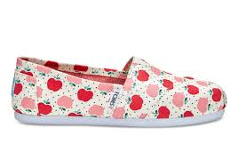 Toms Pumpkin Farm by Liven Up Your Look With This Toms Exclusive Classic Alpargata