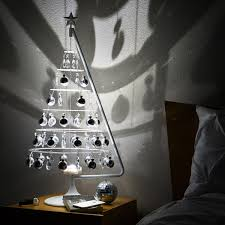 Simon Pearce Christmas Trees by 10 Favorite Modern Holiday Decor Items