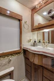 45 Ft Bathroom by 2004 Beaver Marquis 45ft Super Clean Premium Coach