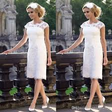 2017 Popular Knee Length Wedding Dresses Short Sheer Neck Capped Sleeves Cheap Bridal Gowns Vintage Lace Party Formal Wear Dress