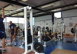 file salle musculation jpg wikimedia commons
