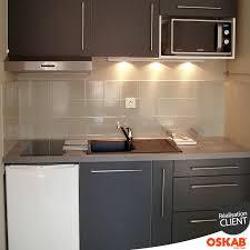 hauteur pour une hotte de cuisine cuisine équipée grise d un studio étudiant plan de travail