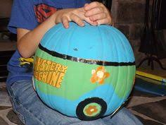 Scooby Doo Pumpkin Carving Stencils Patterns by Scooby Doo Mystery Machine Pumpkin At 2015 Panorama Pumpkin Parade