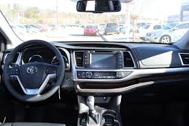 2014 Toyota Highlander Captains Chairs by Highlights Of The New 2014 Toyota Highlander At Steve Landers