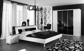 Top Luxurious Black And White Bedroom Ideas For Modern With Glass Chandelier Above Beautiful Rug