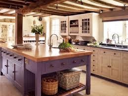 Warm Inviting Rustic Kitchen Design