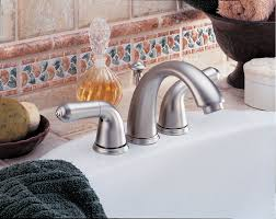 Mini Widespread Faucet Chrome by Faucet Com 4530 Lhp In Chrome By Delta