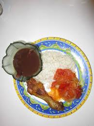 cuisine avec du riz file riz blanc avec sauce pois noir avec dombreuil poulet et sauce