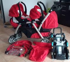 siege auto jumeaux poussette complète fixation siège auto et cosy enceinte de