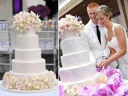 Beautiful 4 Tier Round Wedding Cake For Today Show Couple