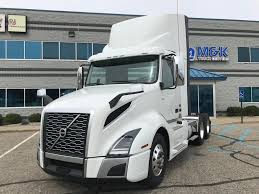 2018 VOLVO VNL300 TANDEM AXLE DAYCAB FOR SALE #287684