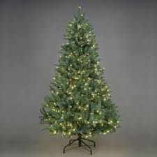 Lifelike Artificial Christmas Trees Uk by Prelit Christmastrees Christmas Trees U0026 Lights