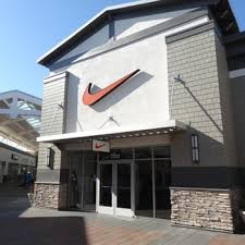 Nike Outlet Nj by Nike Factory 13 Photos 21 Reviews Shoe Stores 600