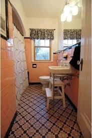 vintage 1930s bathroom accessories paint