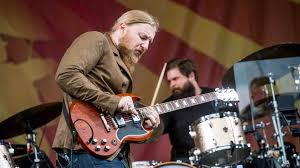 Derek Trucks' Top 5 Tips For Guitarists | MusicRadar Derek Trucks Is Coent With Being Oz In The Tedeschi Band Ink 19 Tiny Desk Concert Npr Susan Keep It Family Sfgate On His First Guitar Live Rituals And Lessons Learned Wood Brothers Hot Tuna Make Wheels Of Soul Music Should Be About Lifting People Up Stirring At Beacon Theatre Zealnyc For Guitarist Band Brings Its Blues Crew To Paso Robles Arts The Master Soloing Happy Man Tedeschi Trucks Band Together After Marriage Youtube