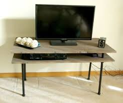 DIY TV Stand From Homedit