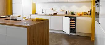 vin cuisine gamme cave a vin compact cave à vin encastrable cuisine ou sous
