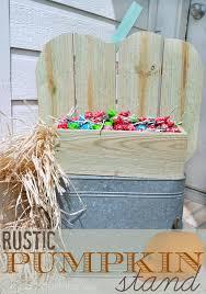Rustic Pumpkin Stand Makes Fabulous Fall Decor