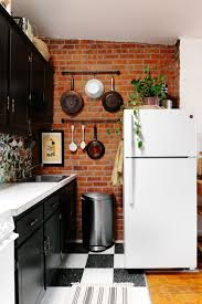Best 25 Studio Apartment Kitchen Ideas Small Big Taste With Wall