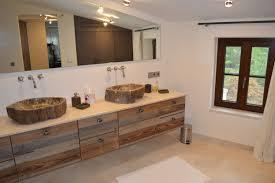 rustikale badezimmer idee waschtischunterschrank mit