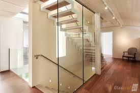 trennwände aus glas für büro praxis und zuhause