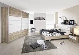 chambre comtemporaine chambre adulte contemporaine coloris chêne clair blanc barcia