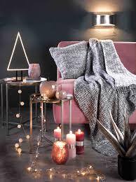 lichterketten und kerzen als gemütliche wohnzimmer deko