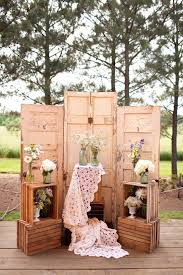 Forest Wedding With Three Doors Flower Vases Wooden Crates 10 Rustic Old Door Decor Ideas For Outdoor Country Weddings