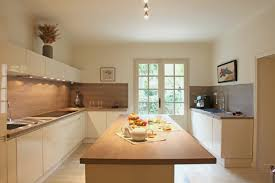 deco cuisine blanc et bois deco cuisine ouverte luxe stunning cuisine blanche et bois ideas