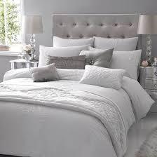 grey white and velour wohnung schlafzimmer schlafzimmer