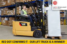 100 Cat Lift Trucks Presented With Red Dot Design Award