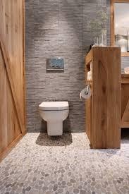 le carrelage galet pratique revêtement pour la salle de bain