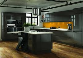 wandgestaltung der küche mit fliesen tapete wandfarbe