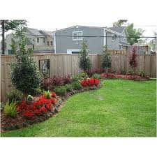 Backyard Decorating Ideas Pinterest by Best 25 Landscaping Along Fence Ideas On Pinterest Fence