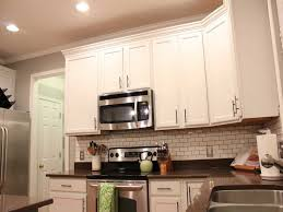 Elegant Traditional Kitchen Cabinet Hardware with Pacious White
