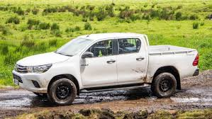 100 Toyota Hilux Truck Reardrive Offers Lot More Pull Even Though Its A
