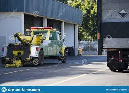 100 Semi Tow Truck Ing For Ing Broken Big Rigs Stock Photo