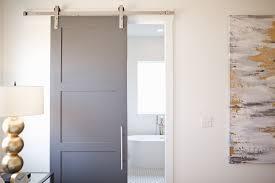 en suite bad die vor nachteile für badewanne im