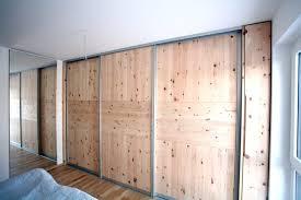tolles schlafzimmer aus duftendem zirbenholz schreinerei