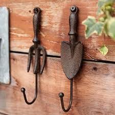 2Pieces Cast Iron Wall Hook Spade Shovel And Fork Shape Vintage Decorative Garden Hanger Hooks Rustic