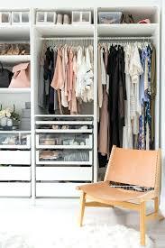 ranger sa chambre ranger sa chambre dacsencombrer sa maison avec une grande armoire