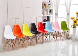 chaise en plastique verte d eames confortable style de charles