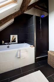 salle de bain sous combles 5 exemples bien aménagés côté maison
